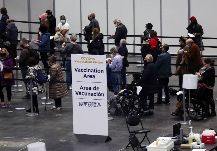 Um dos pontos de vacinação nos EUA - Foto: Spencer Platt / Getty Images