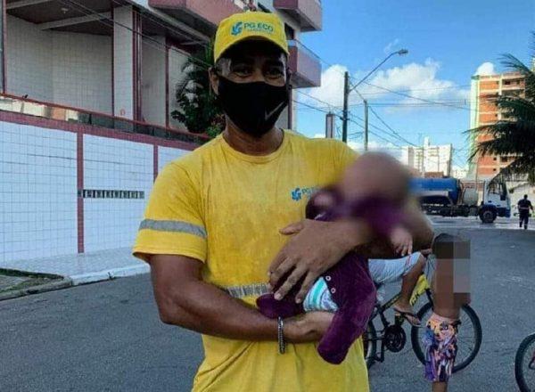 Alex com o bebê que salvou - Fotos: Reprodução/PG Mil Grau
