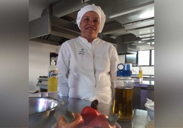 Na Gastronomia, Vitória viu uma chance de trabalhar com o que mais ama: cozinhar. - Foto: Agência Educa Mais Brasil