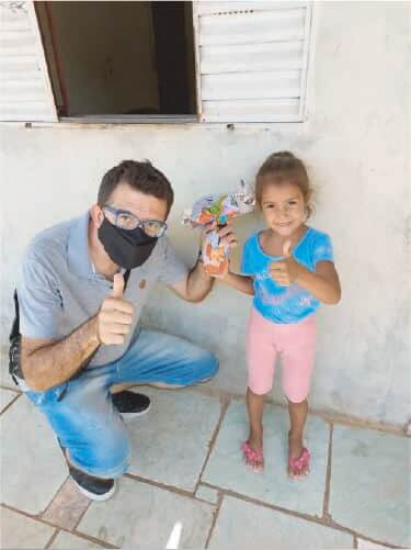 """Crianças do Centro de Formação São José, em MG, receberam os ovos de chocolate da campanha """"Páscoa do Bem"""". Foto: Divulgação/Centro de Formação São José"""