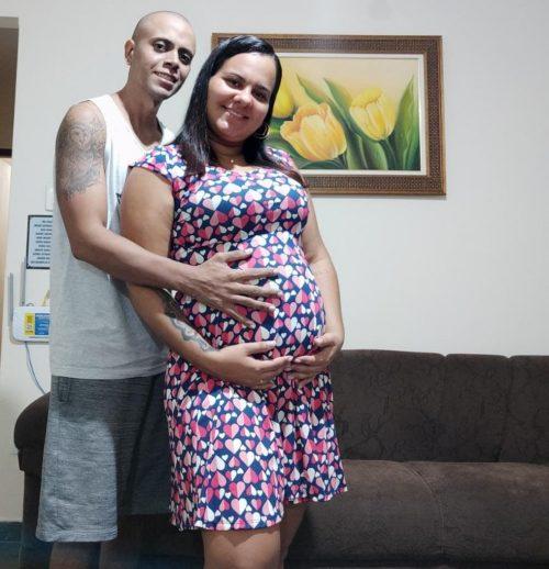 Felipe e a esposa esperando o Davi - Foto: Arquivo Pessoal/Felipe Moreira dos Santos