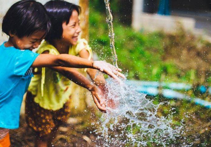 Material inativa bactérias na água em redes de tratamento - Foto: Pixabay