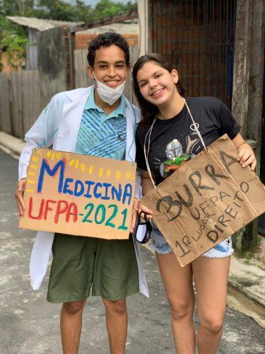 Adailson Moura e Samira Oliveira, amigos de escola e aprovados na UFPA. - Foto: arquivo pessoal