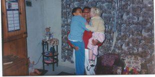 Ana, o irmão, Luiz, e a mãe — Foto: Arquivo pessoal