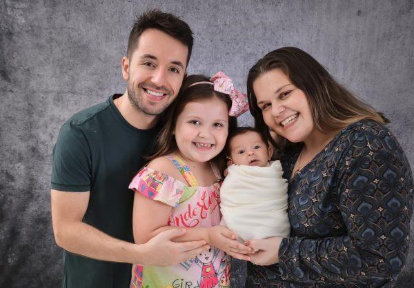 A família do menino que nasceu com anticorpos contra Covid - Foto: arquivo pessoal