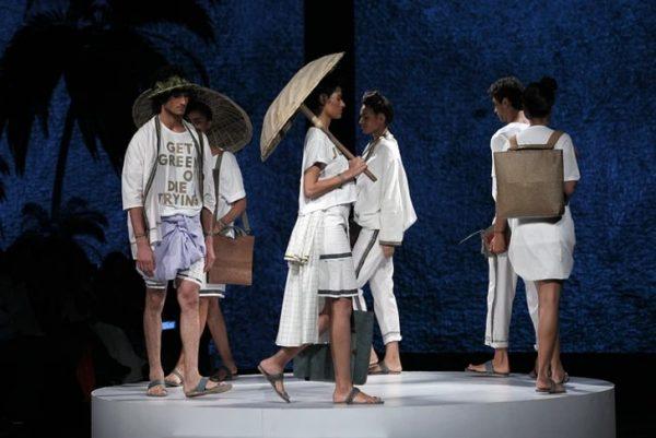 Roupas e bolsas feitas com couro vegano - Foto: Malai Biomaterials Design Pvt Ltd