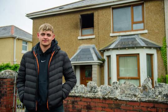 Marcus Evans enfrentou o fogo e salvou a idosa - Foto: Media Wales
