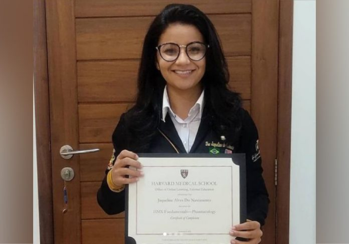 Jaqueline é pesquisadora e conseguiu uma bolsa de estudo para Harvard. - Foto: arquivo pessoal