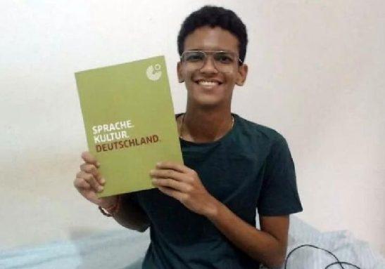 Autodidata em diferentes idiomas, Felipe vai estudar Geologia Planetária - Foto: arquivo pessoal