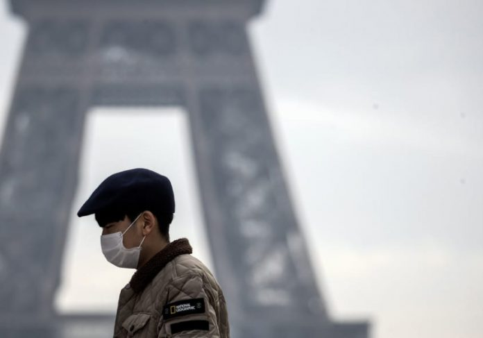 A obrigatoriedade do uso de máscaras é anulada na França - Foto: reprodução