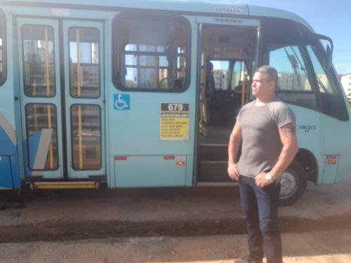 Marcos Paulo, o Luvinha, indo para o trabalho - Foto: arquivo pessoal