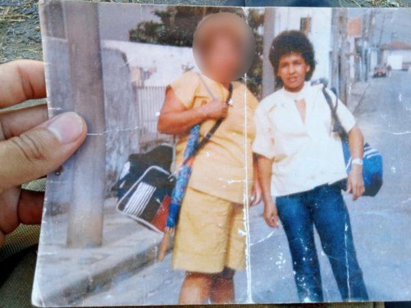 Foto antiga que Diego guardava da mãe - Foto: arquivo pessoal