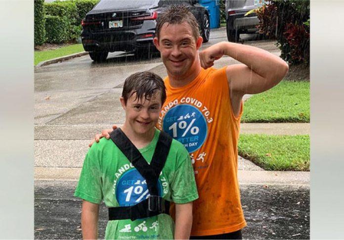Crhis é um atleta com Síndrome de Down que inspirou o jovem Caleb a concluir o primeiro triatlo - Foto: reprodução Inspire More