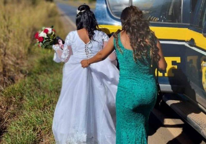 Graças à carona da PRF a noiva chegou a tempo para o casamento - Foto: reprodução / PRF
