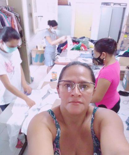 Antônia e as costureiras do projeto - Foto: divulgação Remes