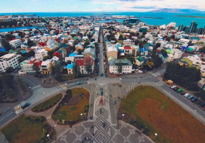 A Islândia provou que trabalhar menos horas aumenta o equilíbrio entre vida pessoal e a profissional - Foto: Pixabay