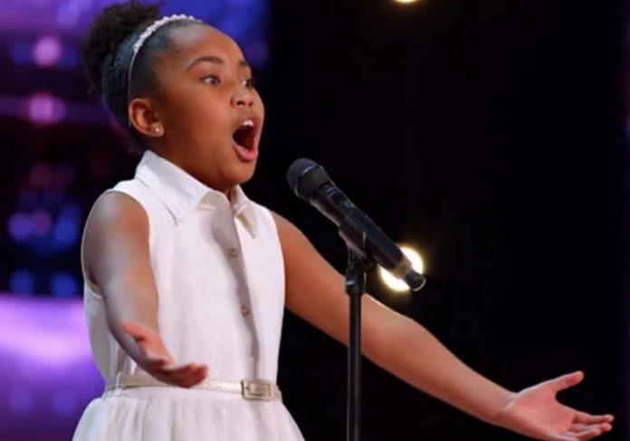 Victory Brinker subiu no palco, abriu a boca e ninguém acreditou na potência de voz dela - Foto: reprodução YouTube