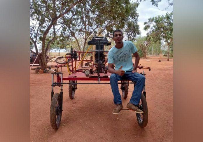 Jovem de 21 anos criou um pulverizador de sucata para ajudar o pai nas colheitas - Foto: arquivo pessoal