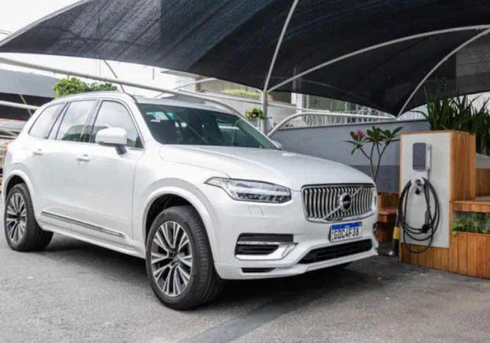 Para conseguir o empréstimo do carro da Volvo, basta se cadastrar no site da montadora e ter a CNH válida - Foto: Volvo/Divulgação