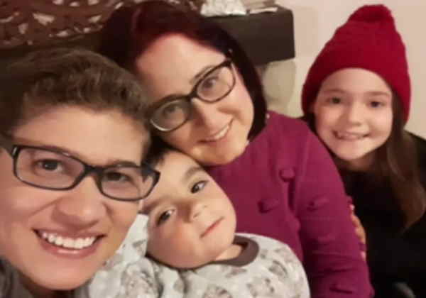 Milene e Ede com os filhos Dudu e Gabi Foto: Arquivo Pessoal