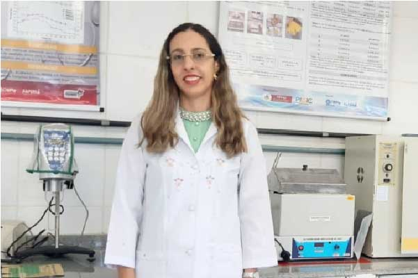 Profª Ana Lúcia Fernandes Pereira, uma das autoras do invento. Foto: arquivo pessoal