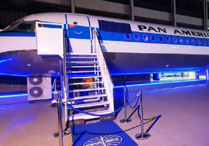 O Pan Am Brasil é um avião que virou restaurante e funciona em Brasília - Foto: divulgação