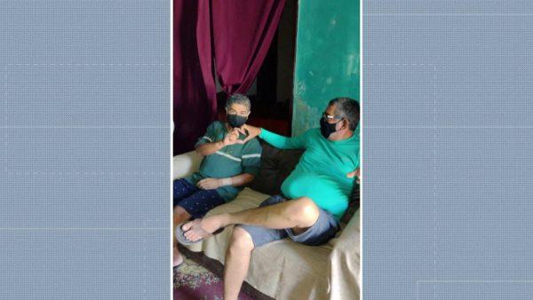 Cícero e Carlos, o policial amigo -Foto: Reprodução/WhatsAppp