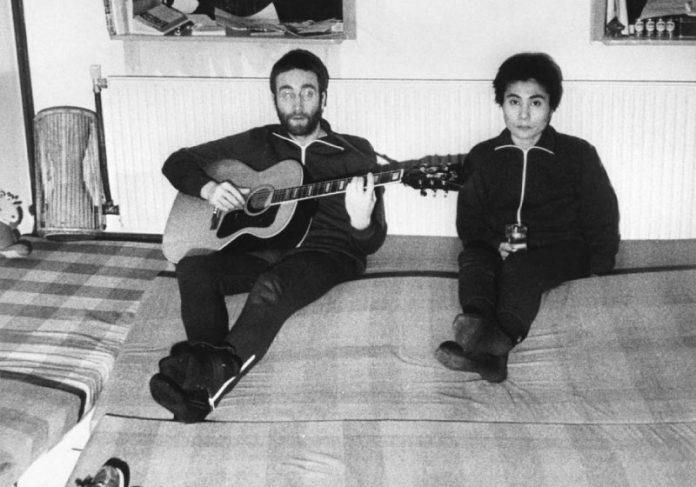 Gravação inédita de John Lennon e Yoko Ono foi feita por quatro estudantes em 1970 - Foto: reprodução