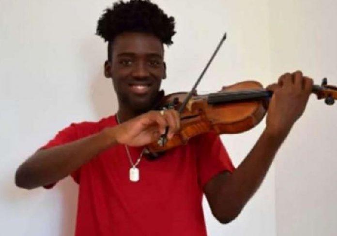 O violino de Carlos Samuel serviu de escudo no meio do tiroteio no Rio - Foto: arquivo pessoal