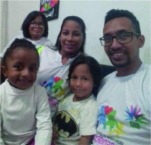 Antonella e a família, que é da Venezuela - Foto: arquivo pessoal