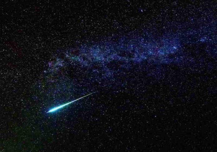 Draconídeos registrados em 2019 - os meteoros são os restos do Cometa 21P / Giacobini-Zinner Foto: reprodução
