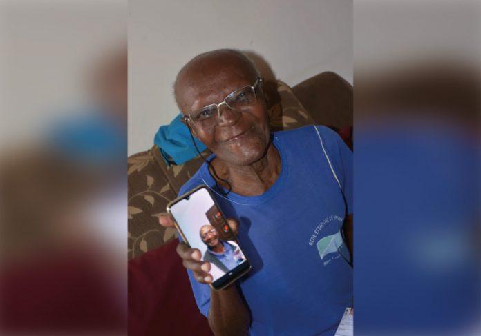 Sobrinha encontra tio após 38 anos pela lista de vacinados da covid