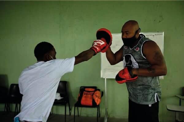 Ruan e o treinador, Pedro Neto - Foto: divulgação