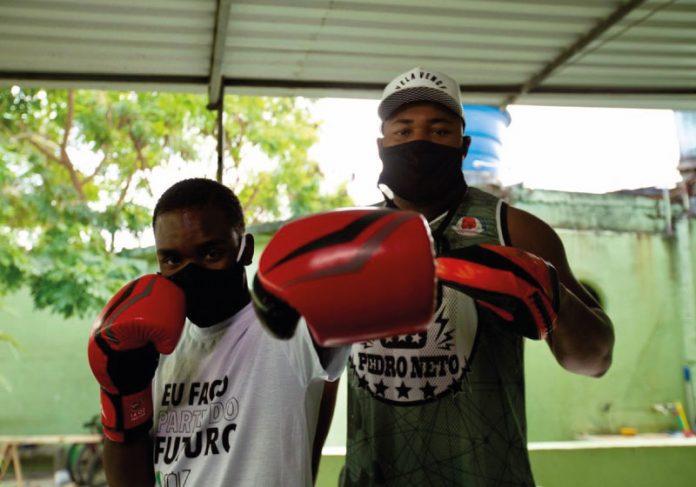 Ruan foi resgatado das ruas por voluntários do projeto da Cidade de Deus, que o incentivaram a voltar ao boxe - Foto: divulgação